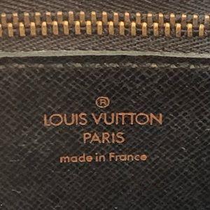 Louis Vuitton Bags - Louis Vuitton Saint Cloud epi black